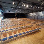 ein leerer Versammlungssaal (Luitpoldhalle)